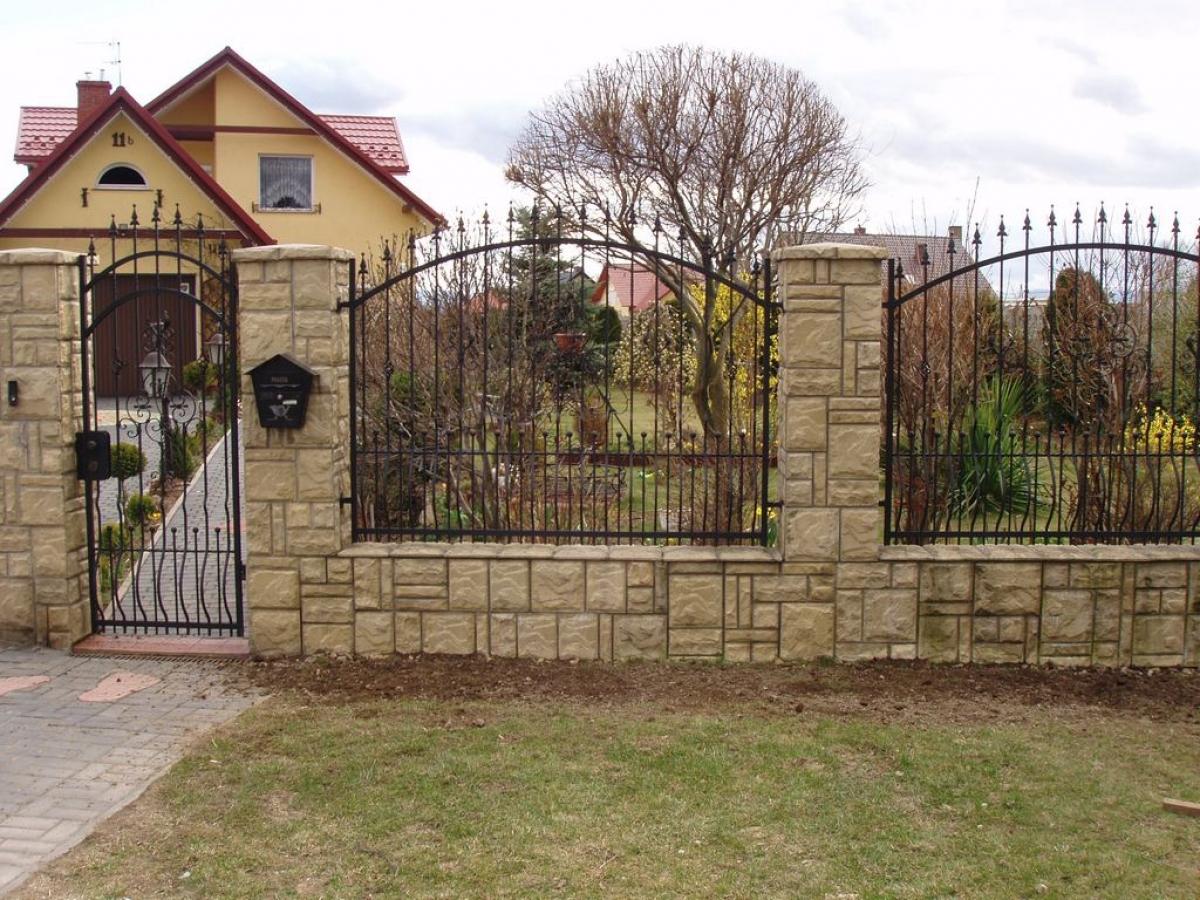 Забор возле дома своими руками 65